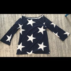 Bell sleeve top with star design